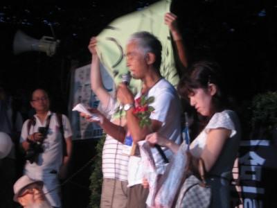 재해 속 후쿠시마 동북지방민 원전 노동자들에 대한 차별구조를 봐야 한다고 외치던 그룹(8월 10일)
